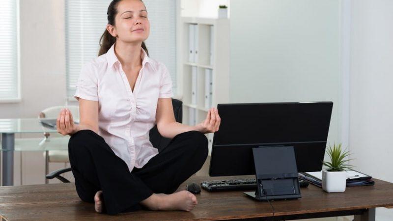 Achtsamkeit wirkt gegen Manager-Stress.